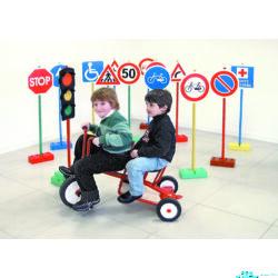 Közlekedési tábla készlet
